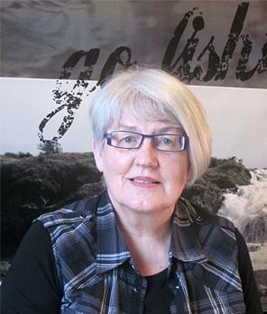 Viiteenkymmeneen vuoteen en ole nähnyt näin hyvin, sanoo vasemman silmänsä kaihileikkauksesta hienosti toipunut tamperelainen Leena Matikainen. - leena_matikainen